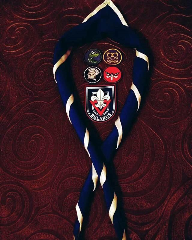 бобр-Саша-галстук и нашивки