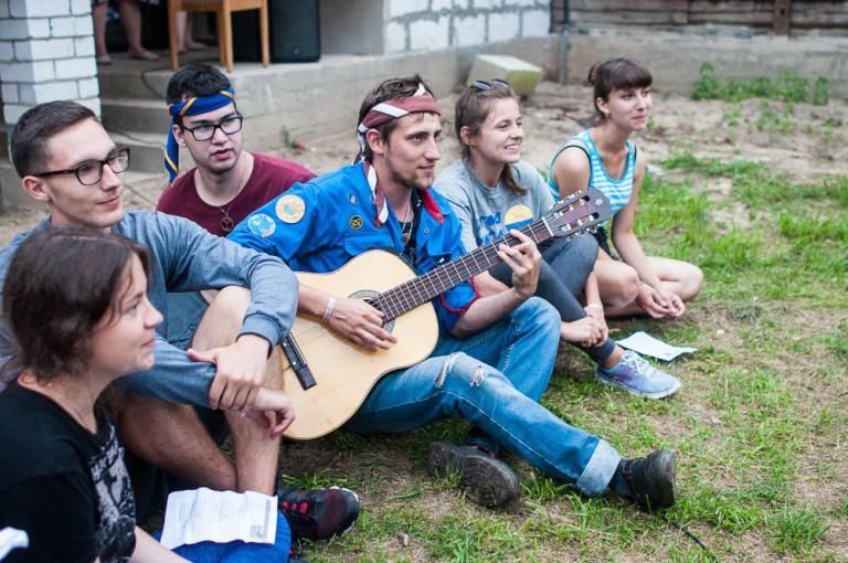 Сборник текстов и аккордов лучших песен YMCA Беларусь подготовят к новому сезону